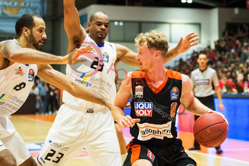 1. BBL - 17/18 -  Science City Jena vs. Ratiopharm Ulm
